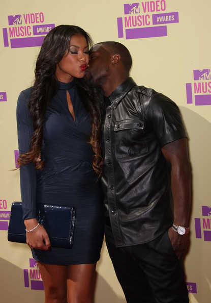 MTV VMAs Host Kevin Hart and girlfriend Niko