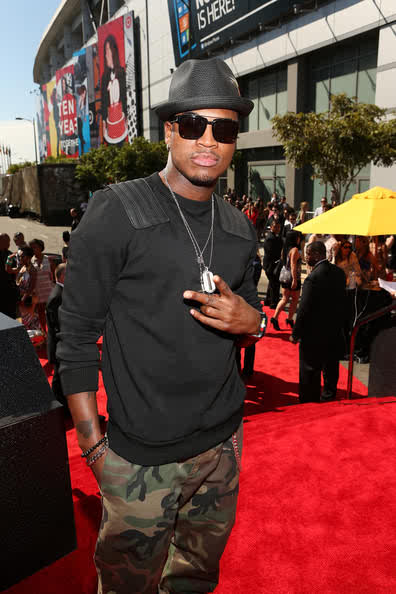 Neyo rocking fatigues